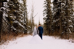 winter wedding, carriage house wedding, calgary wedding photographer