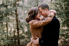 calgary wedding photographer, winter engagement photos